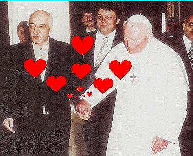 Fethullah Gülen ile ilgili düşüncelerinizi sormak istiyorum Sizce o nasıl biri ?
